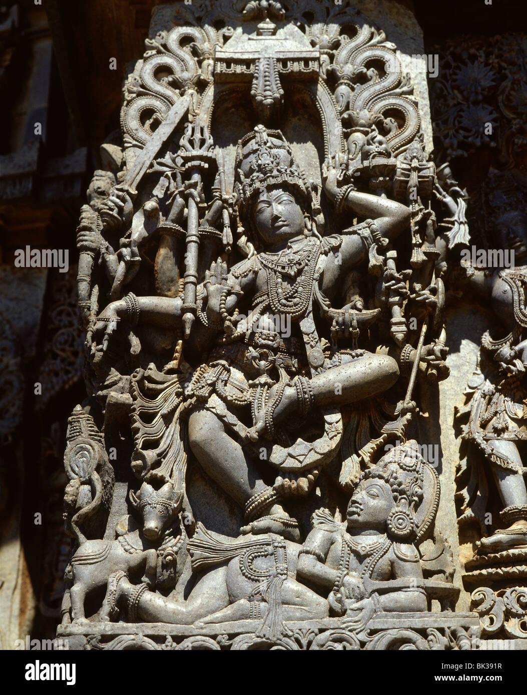 Close-up of the Hindu goddess Durga, detail of the Hoyasala temple at Halebid, Karnataka, India, Asia - Stock Image