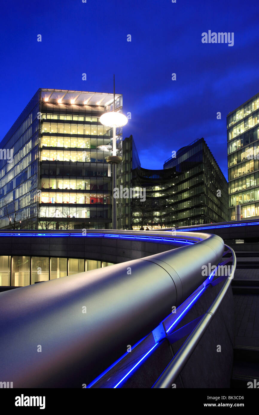 More London 'The Scoop' office buildings at night in this modern development on the banks of the River Thames. - Stock Image