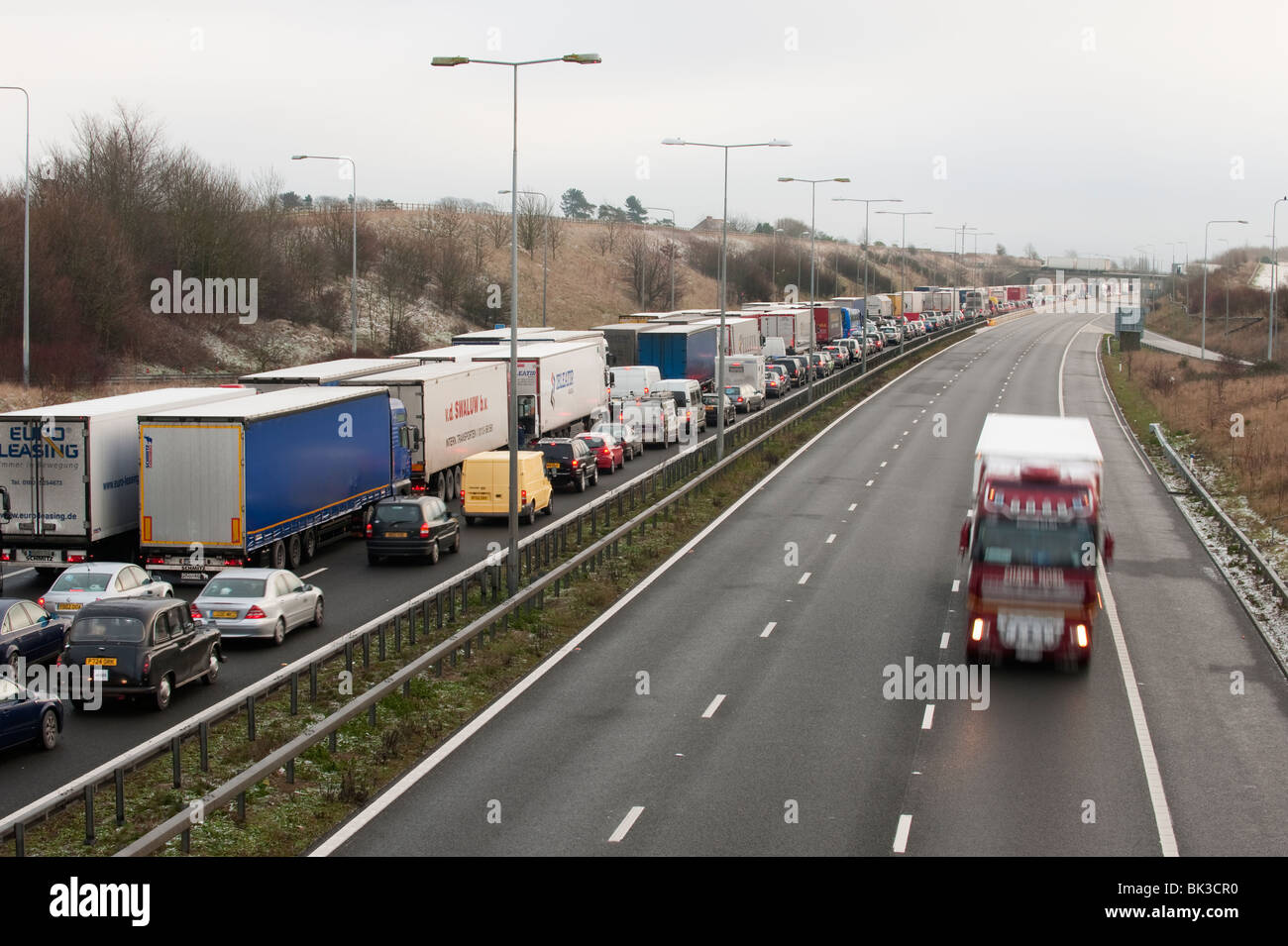 Congested M20 Motorway, Kent, UK - Stock Image
