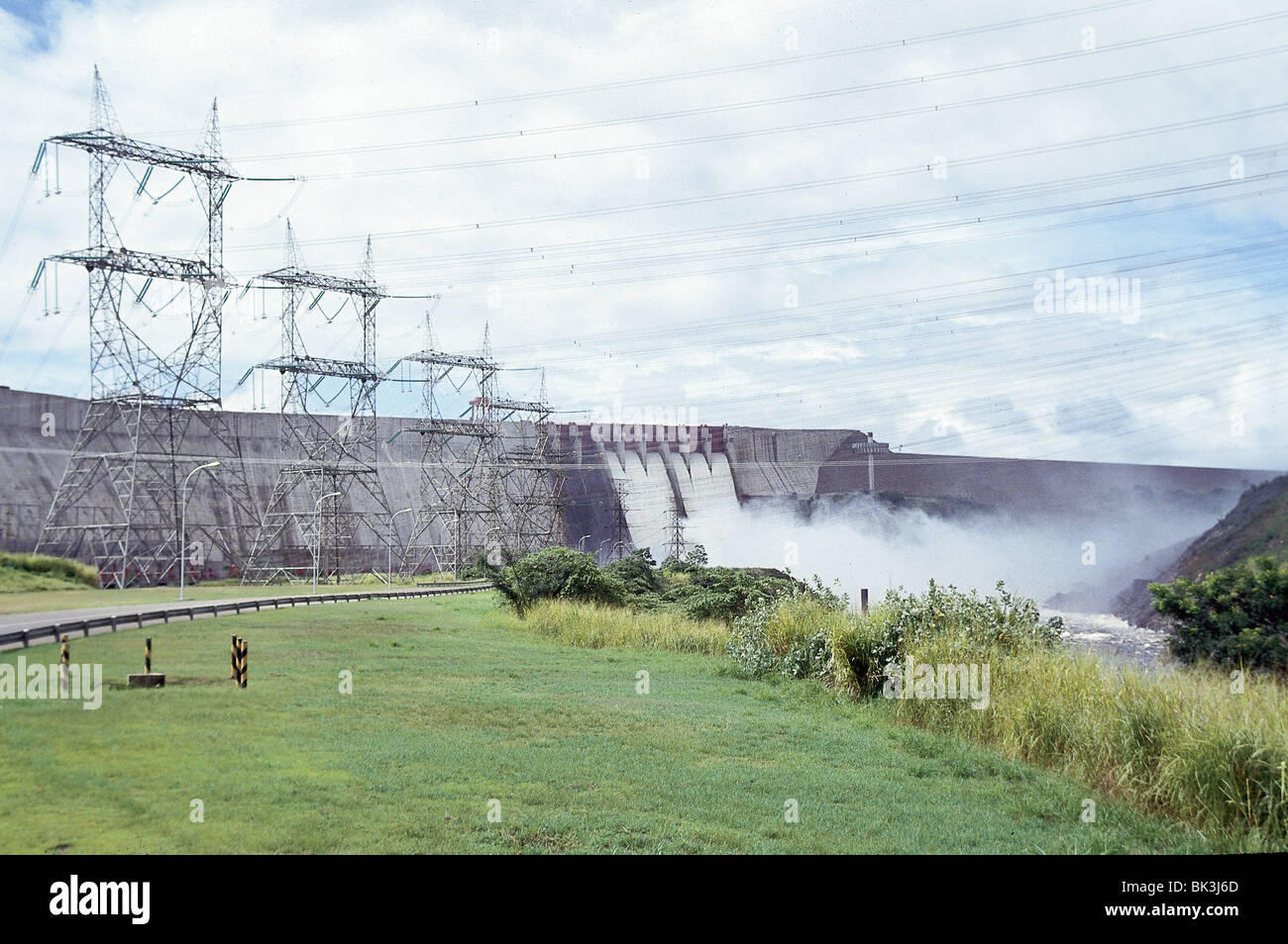 the guri dam in the state of bolivar venezuela stock photo alamy https www alamy com stock photo the guri dam in the state of bolivar venezuela 28968981 html