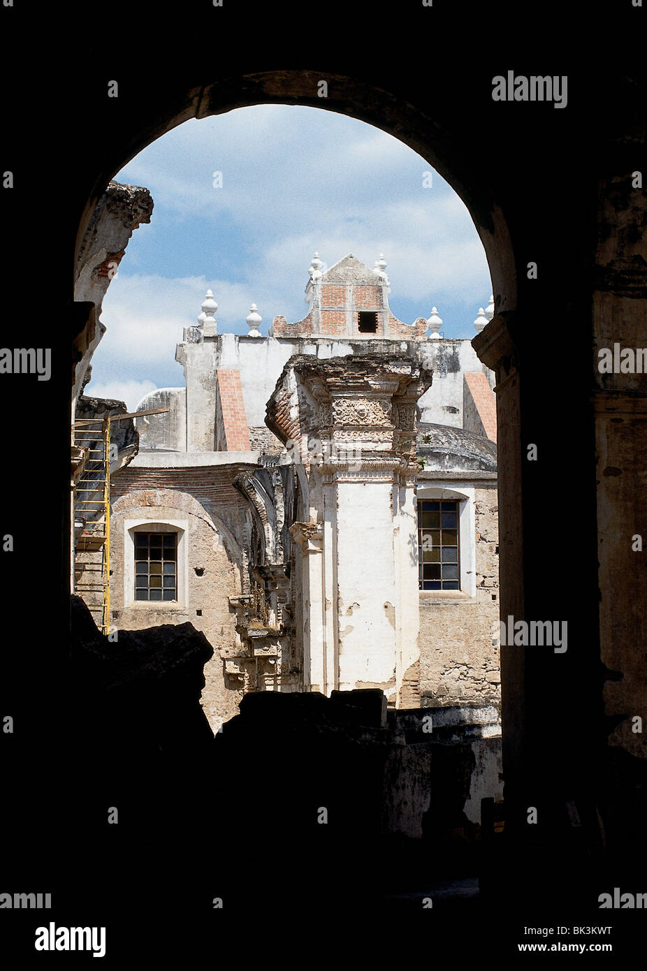 Buildings damaged by earthquakes in Antigua, Guatemala - Stock Image