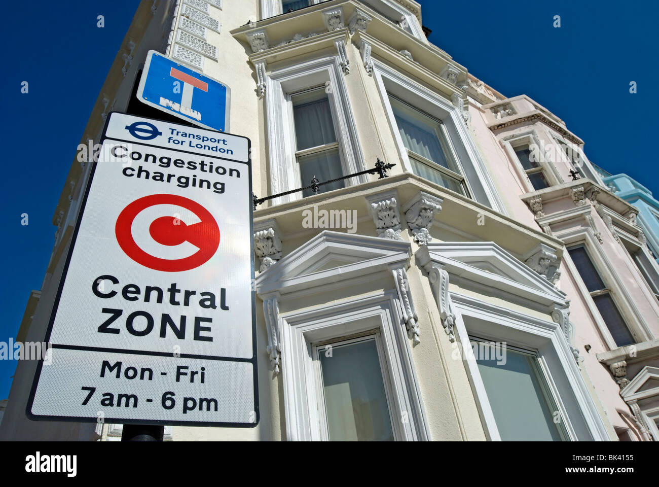 central zone congestion charging sign beside victorian houses in chelsea, london, england - Stock Image
