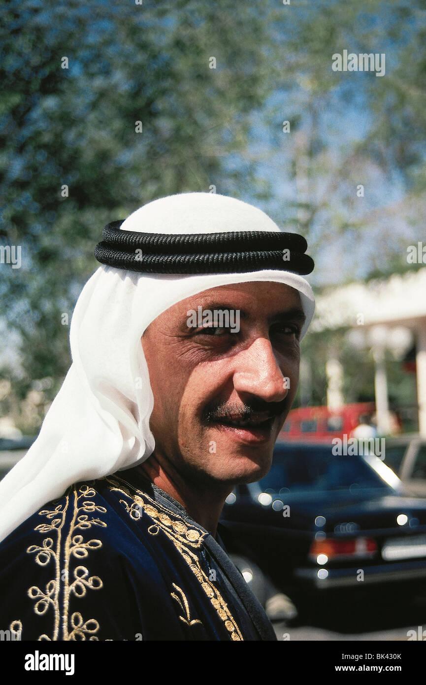 Portrait of a Jordanian man wearing a keffiyeh - Stock Image