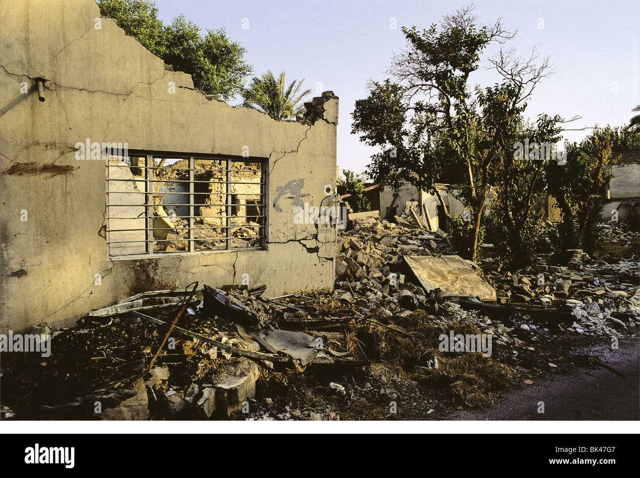Bombed-out residence from the Persian Gulf War (2 August 1990 – 28 February 1991), Baghad, Iraq 1991 - Stock Image