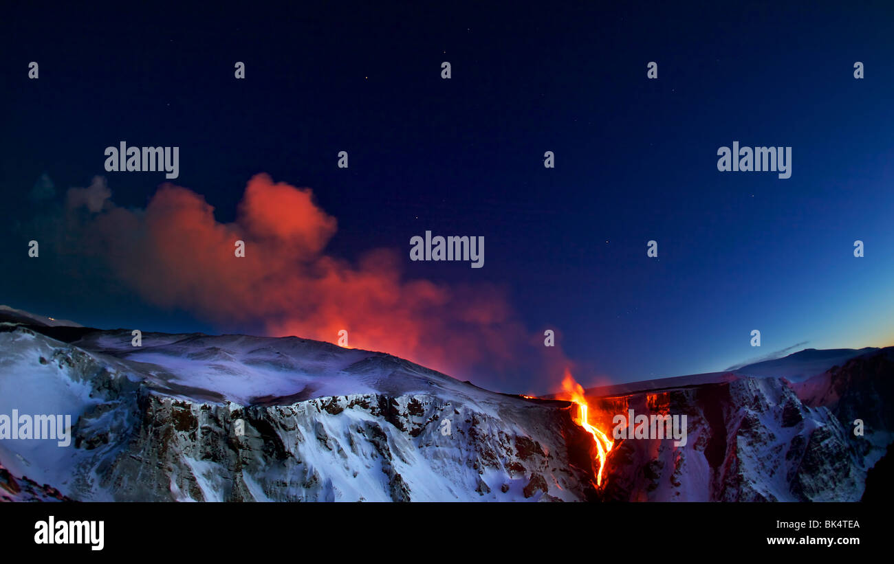 Volcanic Eruption Icelan 2010, A volcano started erupting on Fimmvorduhals on the south coast of Iceland in March - Stock Image