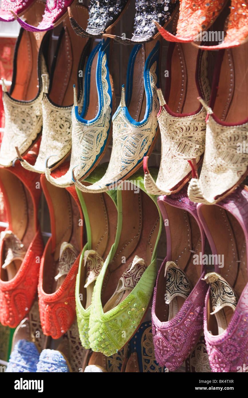 Traditional Arabic curly toed slippers, Deira, Dubai, United Arab Emirates, Middle East - Stock Image