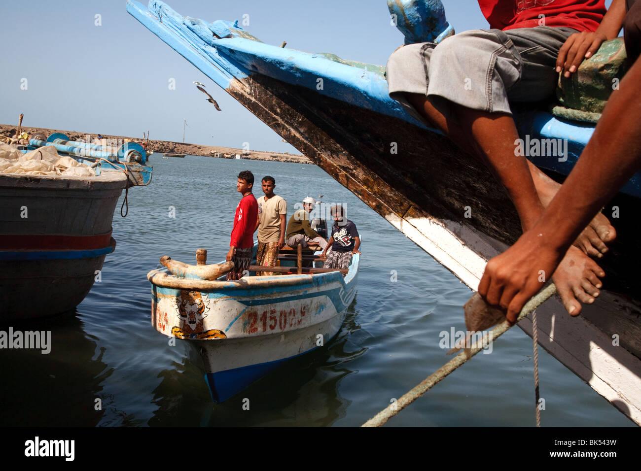 Daily life activities in the fishing port in al-Hodeidah, Yemen. - Stock Image