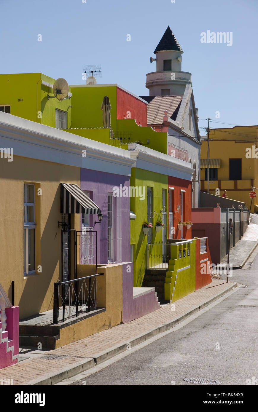 Colourful houses in a street in Bo-Kaap, Cape Town, South Africa - Stock Image