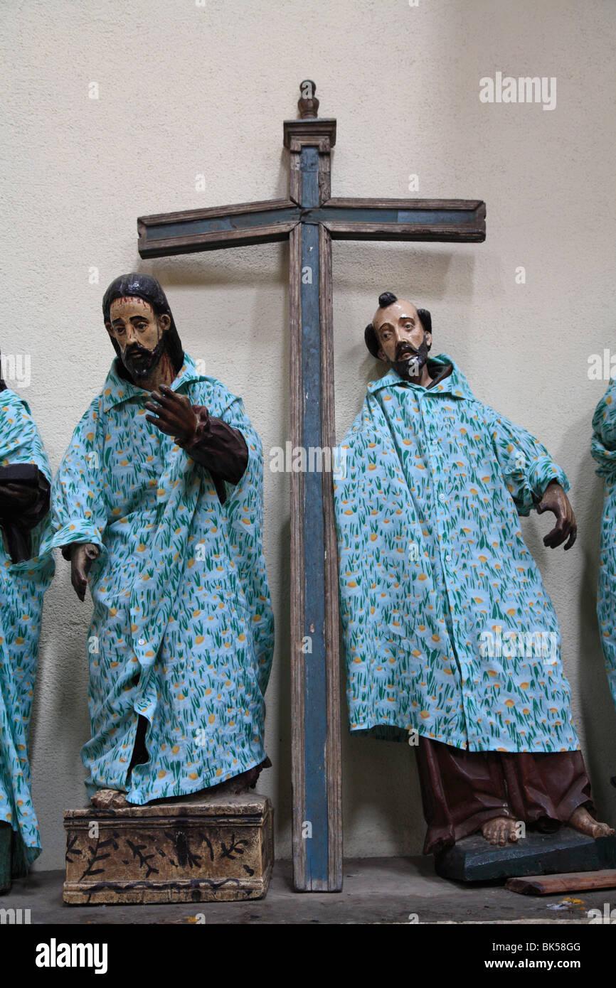 Saints dressed in handmade clothes in church, Santiago Atitlan, Lake Atitlan, Guatemala, Central America - Stock Image