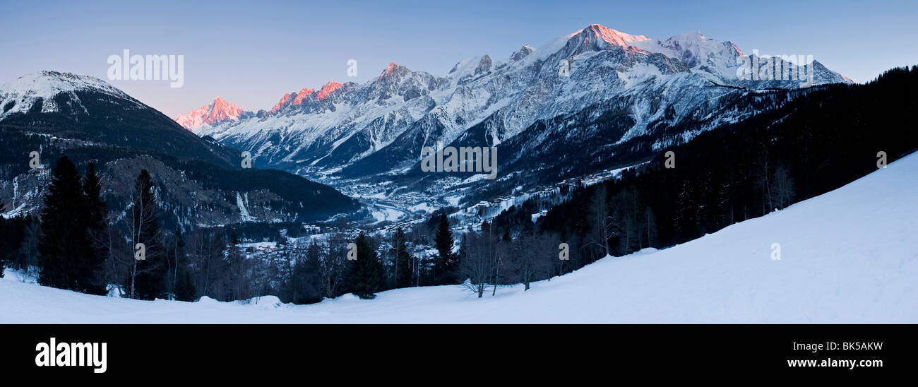 Chamonix Valley, Mont Blanc and the Mont Blanc Massif range of mountains, Haute Savoie, French Alps, France, Europe Stock Photo