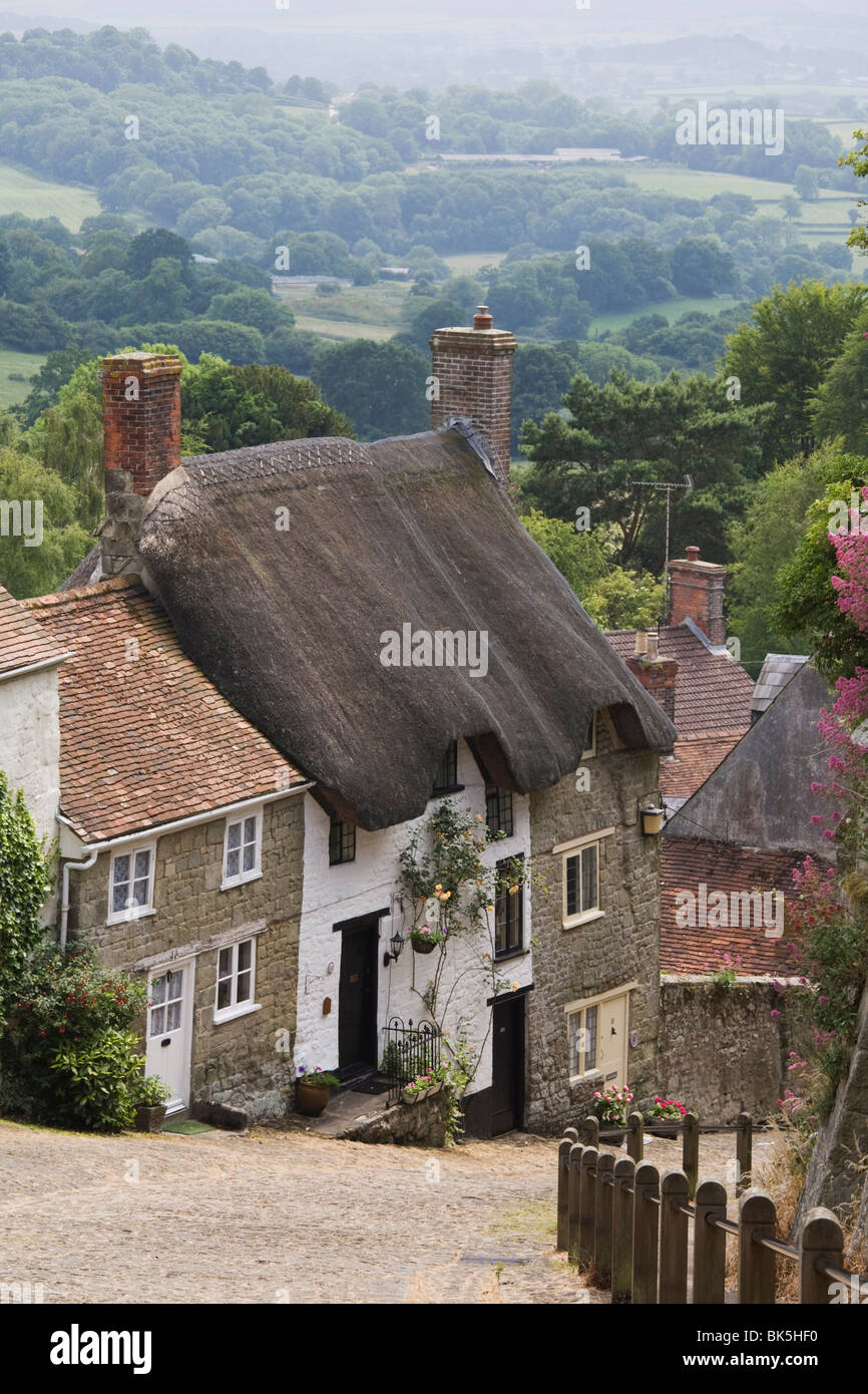 Gold Hill in June, Shaftesbury, Dorset, England, United Kingdom, Europe - Stock Image