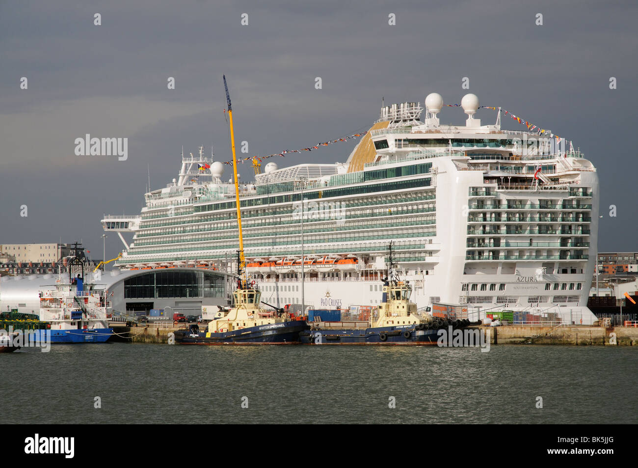P&O Cruises cruise liner Azura berthed in Southampton England UK - Stock Image