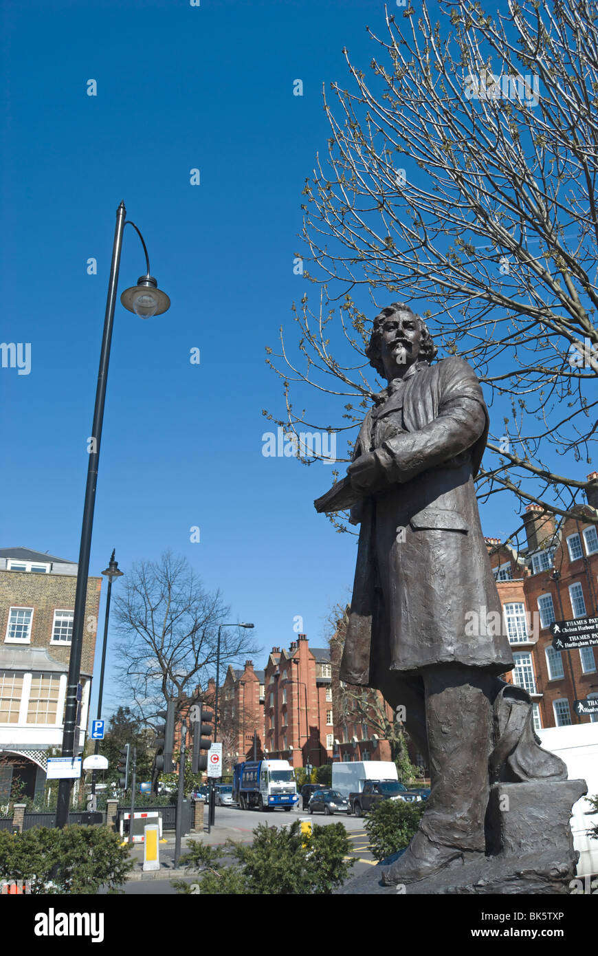 statue of artist james mcneill whistler, by sculptor nicholas dimbleby, in chelsea, london, england - Stock Image