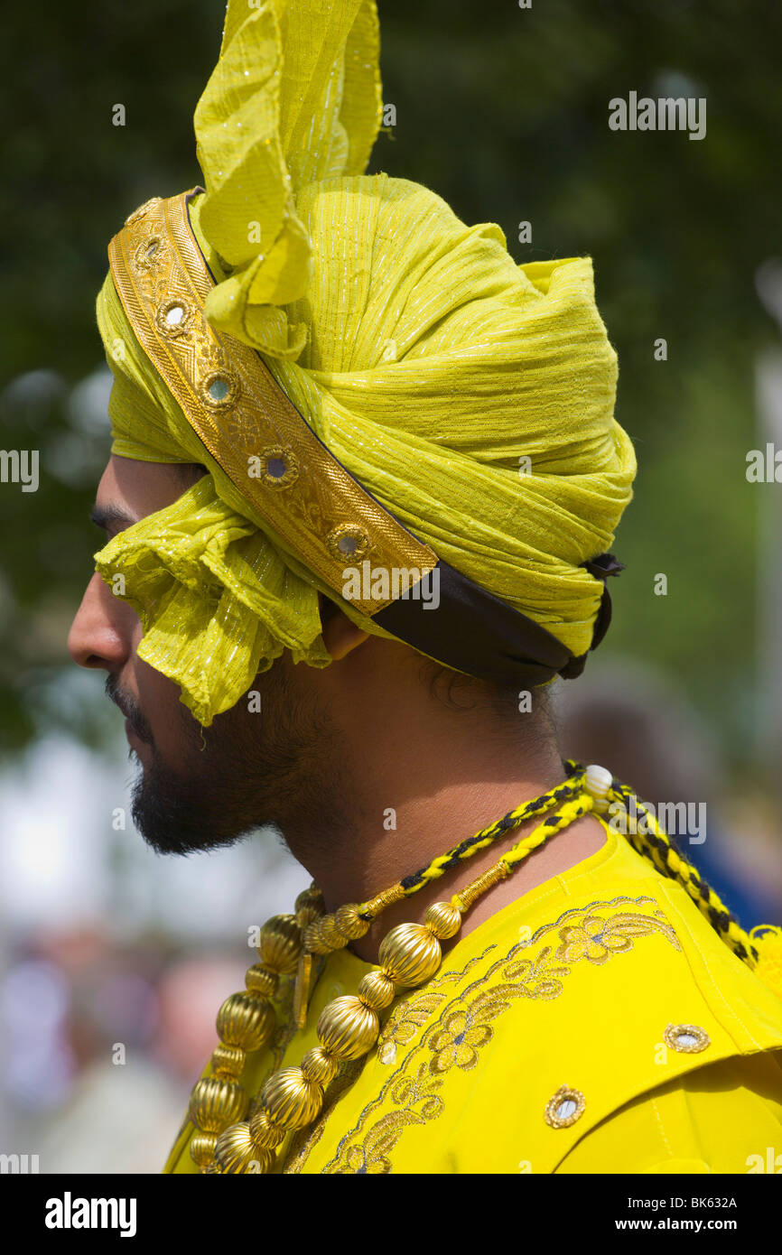 Indian man in Sikh costume - Stock Image