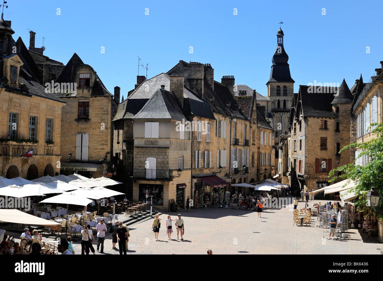 Place de la Liberte in the old town, Sarlat, Dordogne, France, Europe Stock Photo
