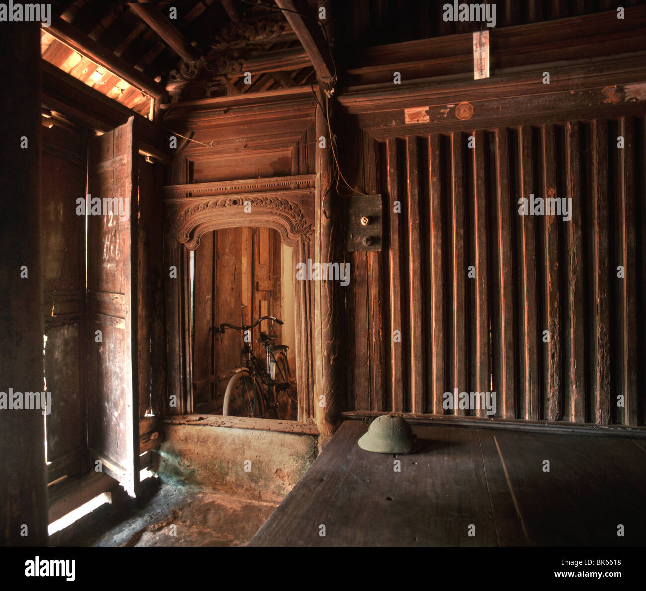 Interior of Mong Phu House, 400 years old, Vietnam, Indochina, Southeast Asia, Asia - Stock Image