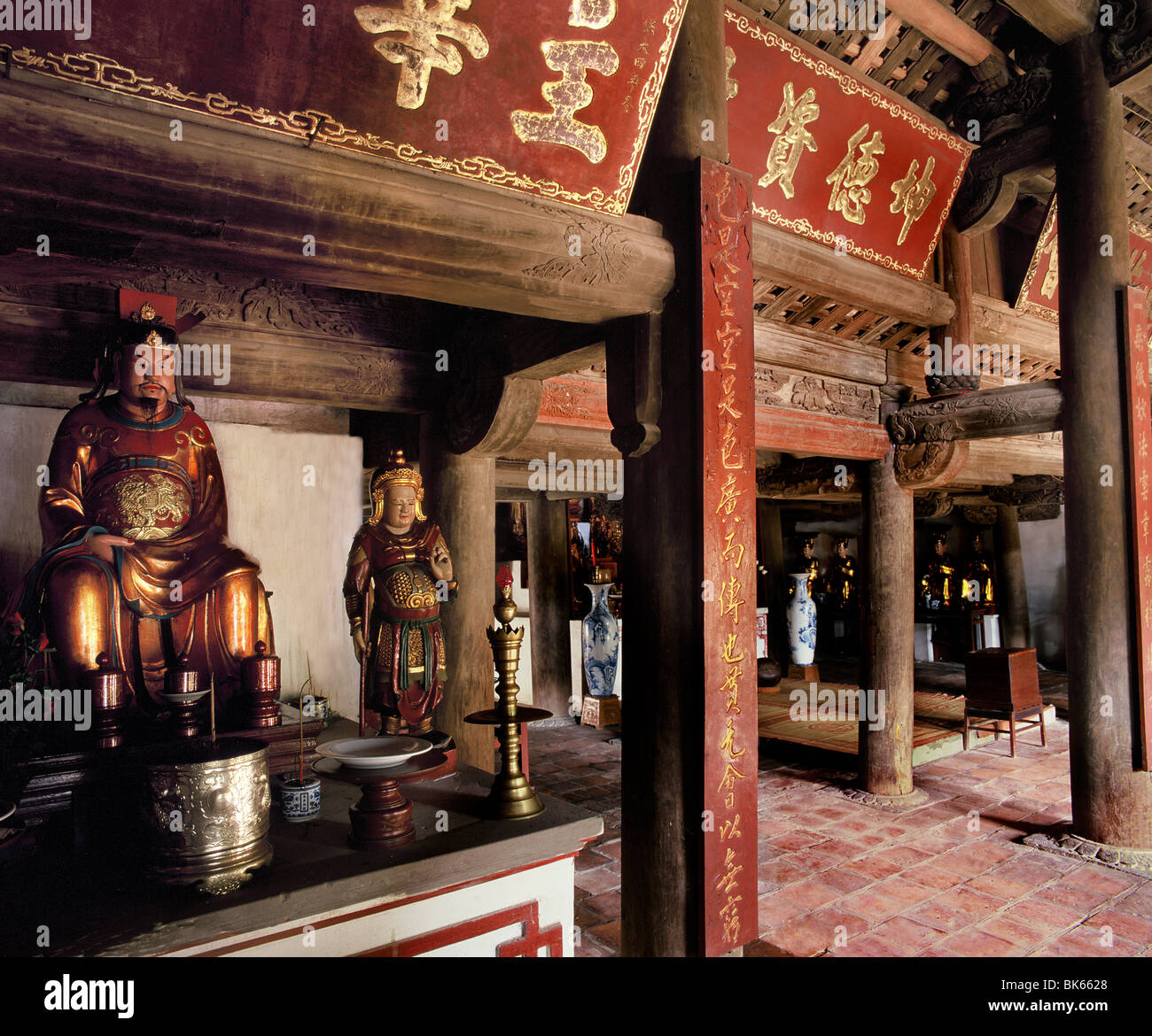 Statue of Confucius in the Great Hall of Ceremonies in a Taoist temple, Hanoi, Vietnam, Indochina, Southeast Asia, - Stock Image