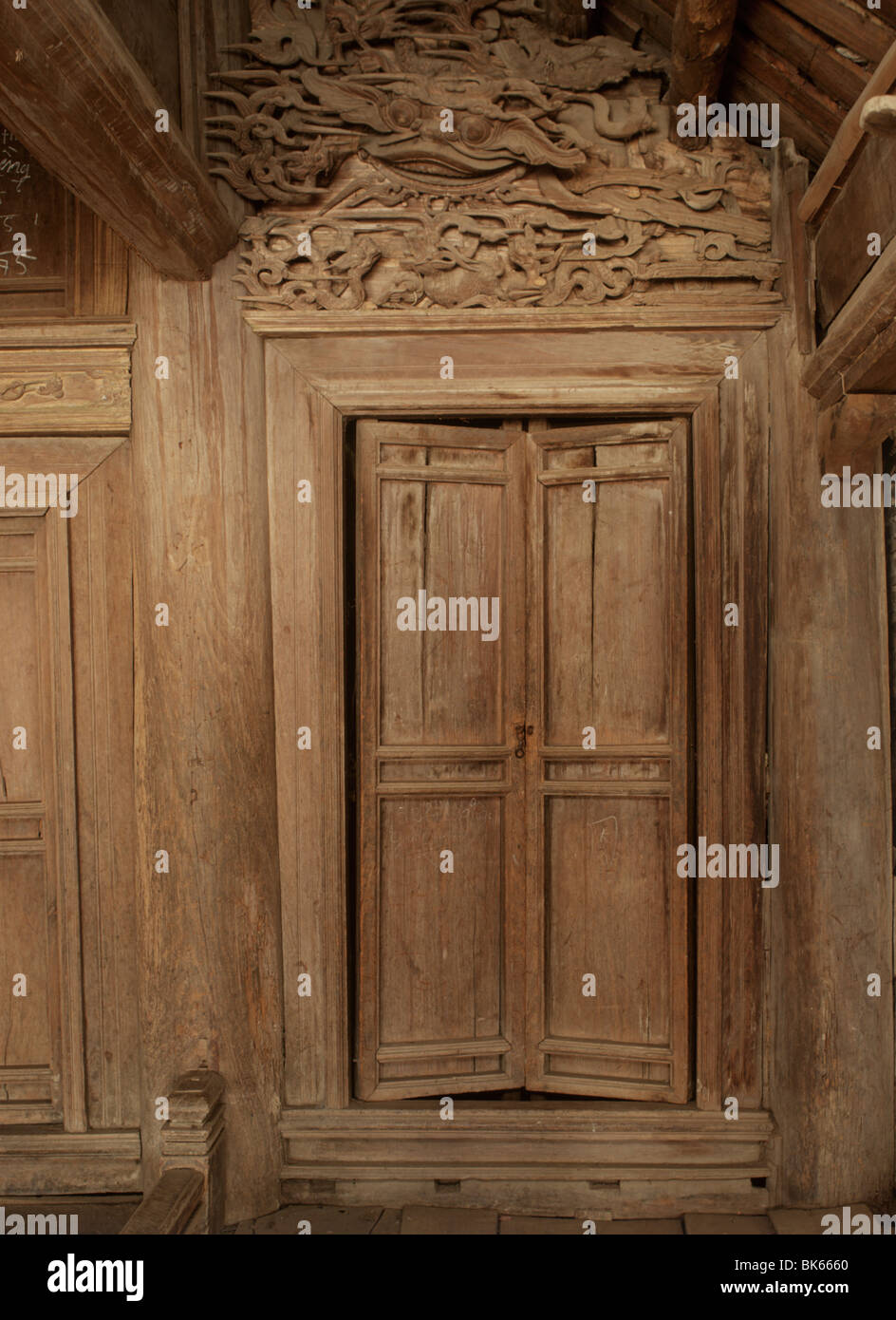 Wooden doors of Dinh Tay Dang, Ha Tay province, Vietnam, Indochina, Southeast Asia, Asia - Stock Image