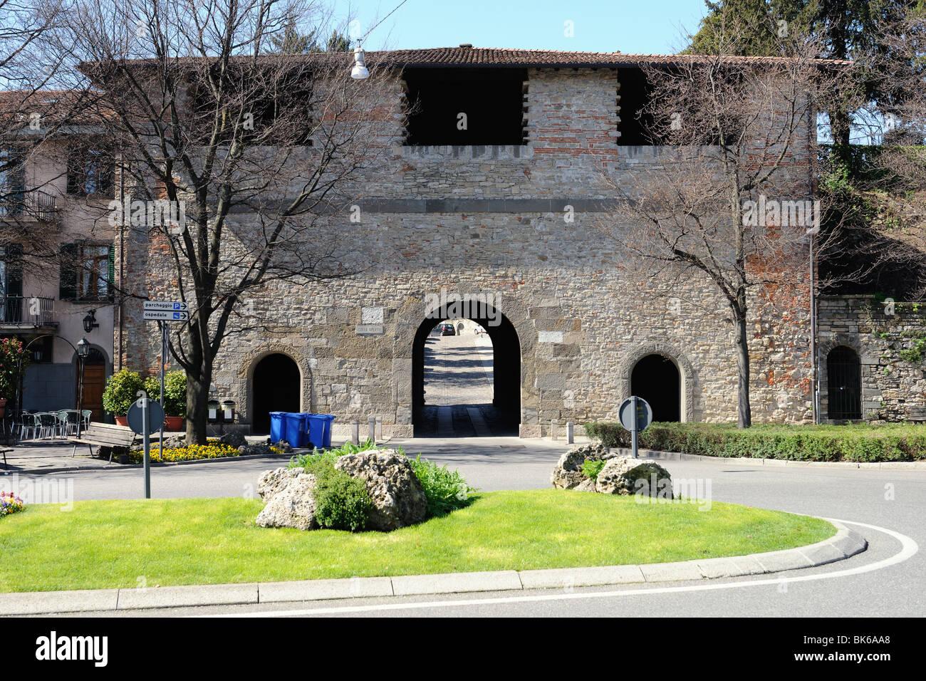 Venetian 16th century city gate Porta Sant'Alessandro, at Colle Aperto, Città Alta, Bergamo, Italy, Lombardy, - Stock Image