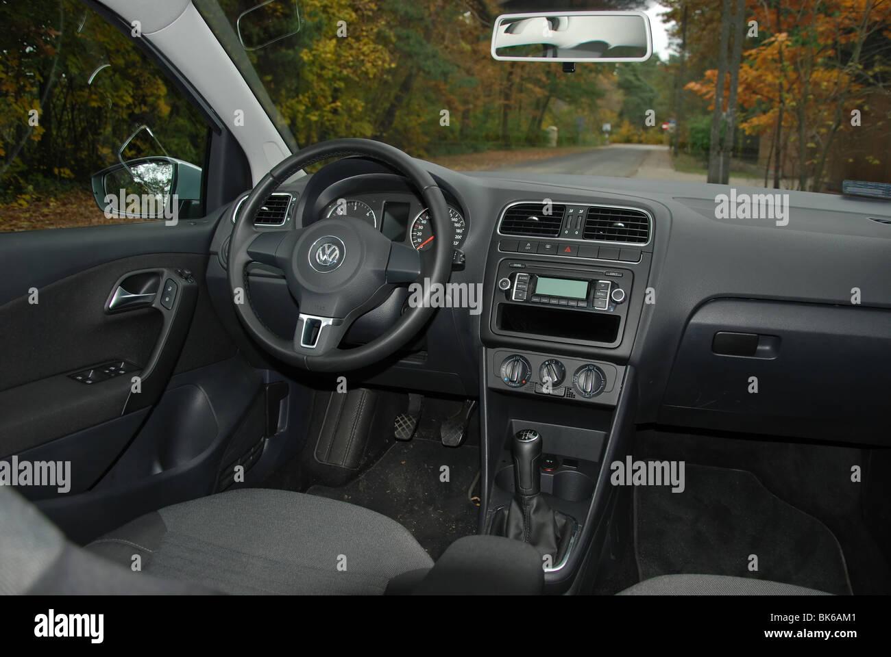 Volkswagen Polo 1 6 Tdi 2009 Silver Metallic Five Doors 5d
