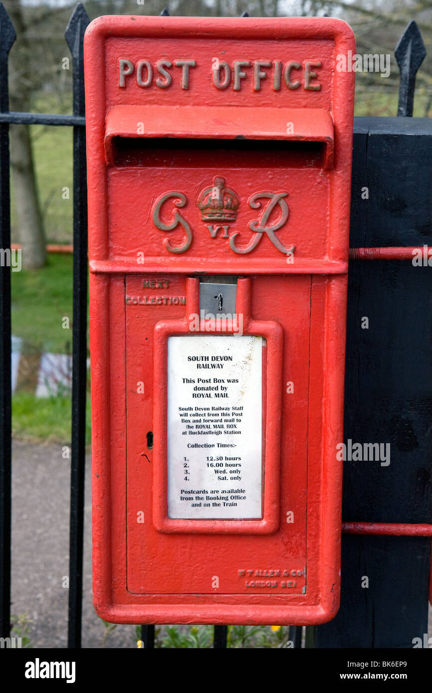A King George postbox. - Stock Image