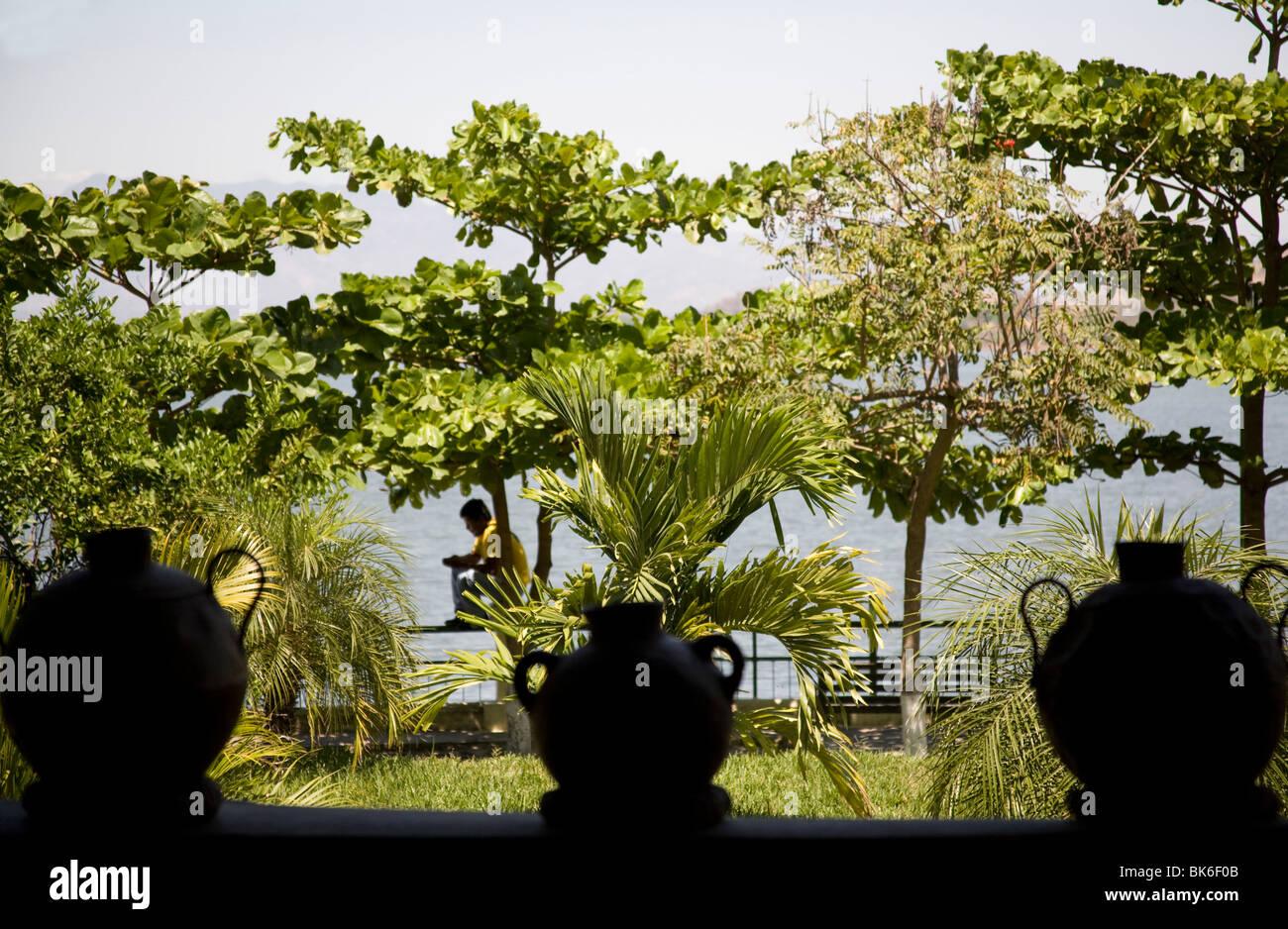 Silhouette of pots Centro Turistico Puerto San Juan Lake Suchitlan Suchitoto El Salvador - Stock Image