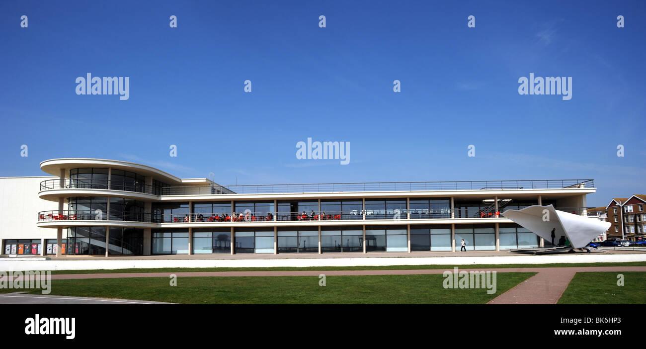 The De La Warr Pavilion at Bexhill on Sea designed by Eric Mendelssohn and Serge Chermayeff Stock Photo