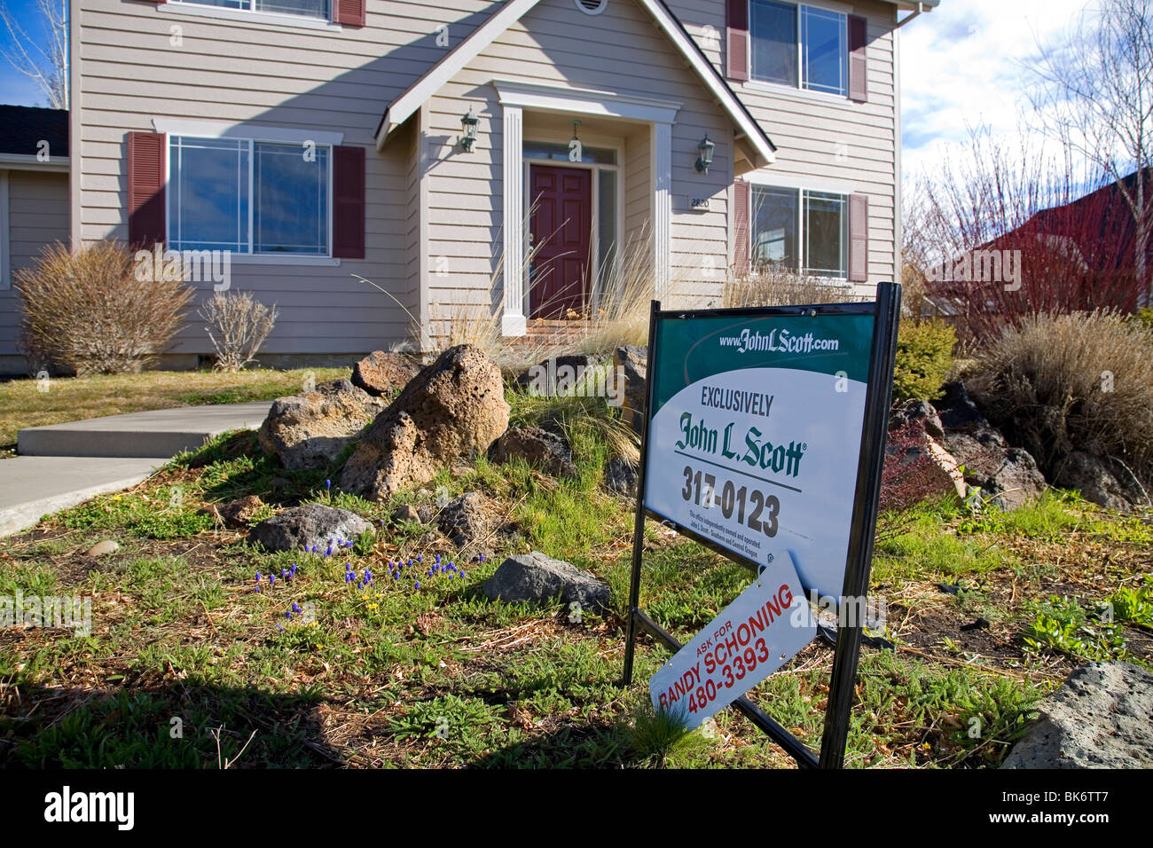 Abandoned homes for sale that have been foreclosed on by a local bank, in Bend, Oregon - Stock Image