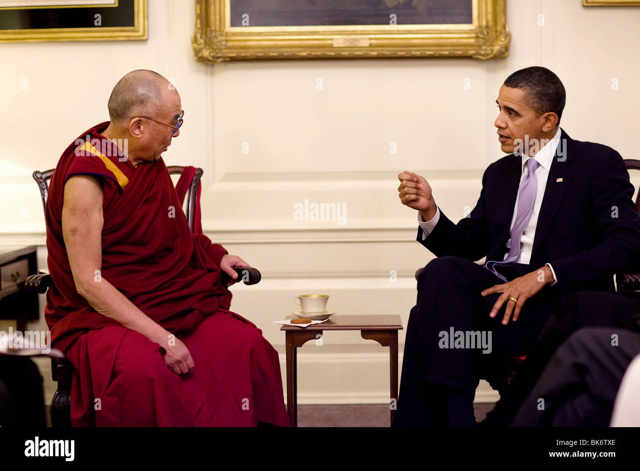 President Barack Obama meets with His Holiness the Dalai Lama in the Map Room of the White House, Feb. 18, 2010. - Stock Image