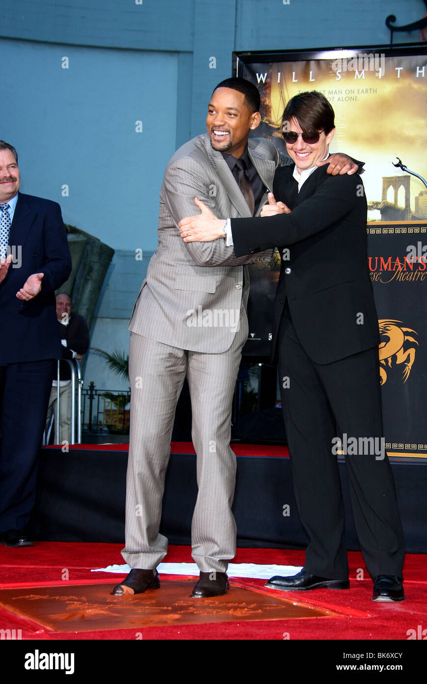 WILL SMITH & TOM CRUISE WILL SMITH HAND AND FOOTPRINT CEREMONY GRAUMANS  CHINESE HOLLYWOOD LOS ANGELES USA 10 December 2007