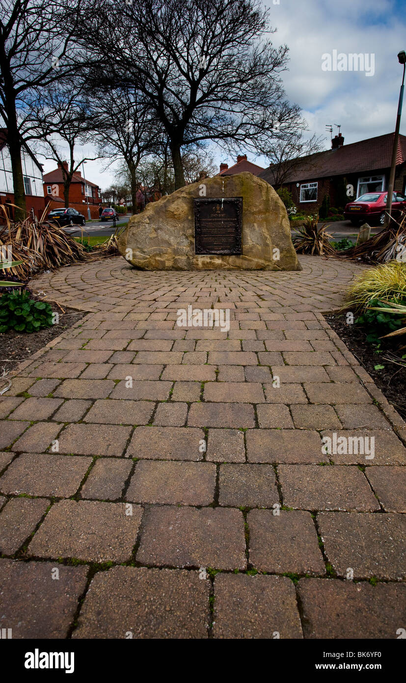 Samll garden and plaque to commemorate the 40th anniversary of Gardeners Question Time - Stock Image