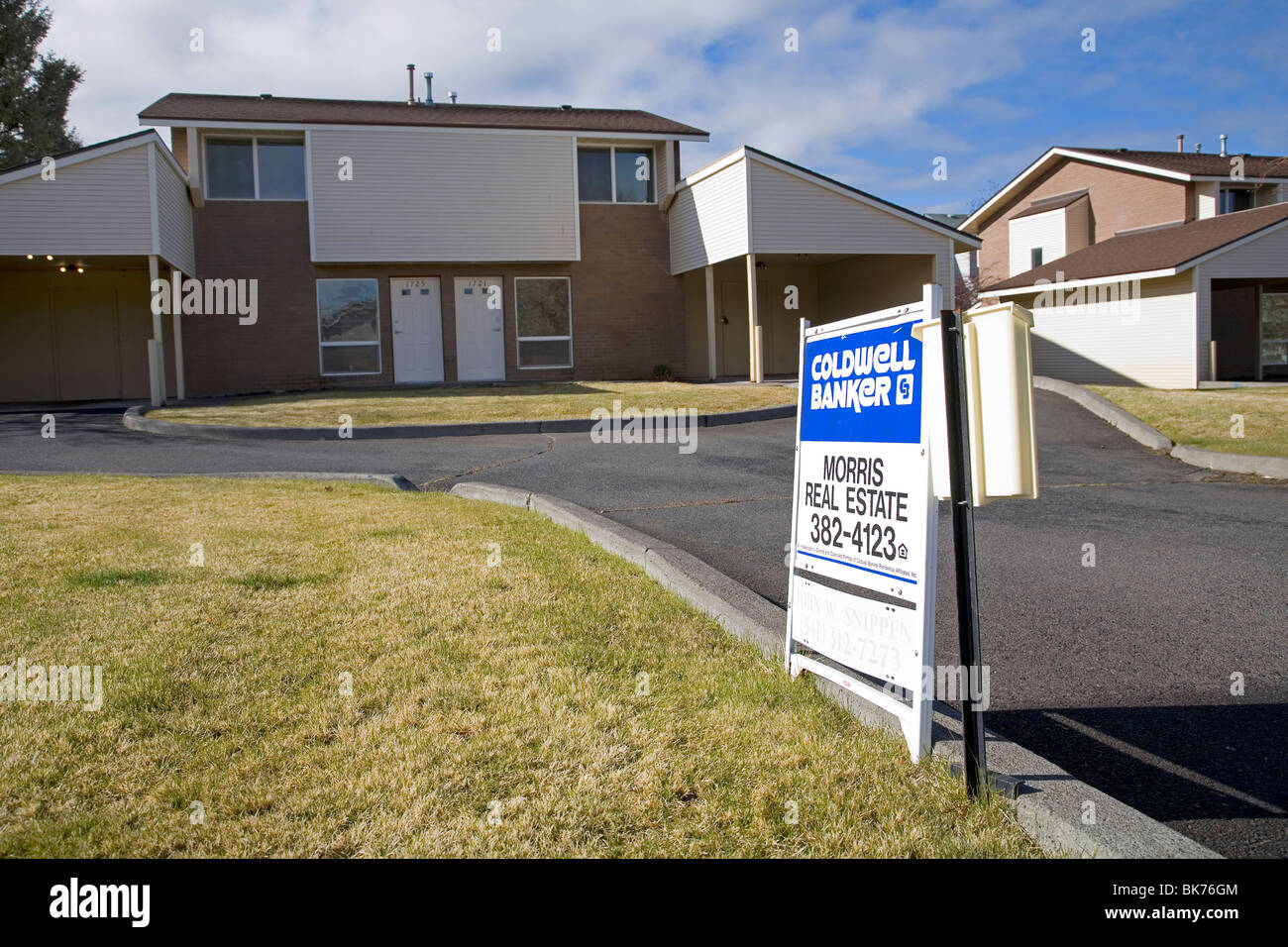 Homes for sale that have been foreclosed on by a local bank, in Bend, Oregon - Stock Image