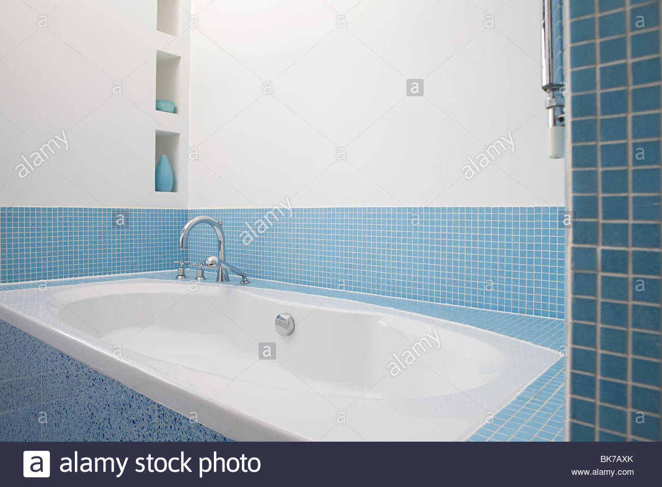 Contemporary Bathtubs Stock Photos & Contemporary Bathtubs Stock ...