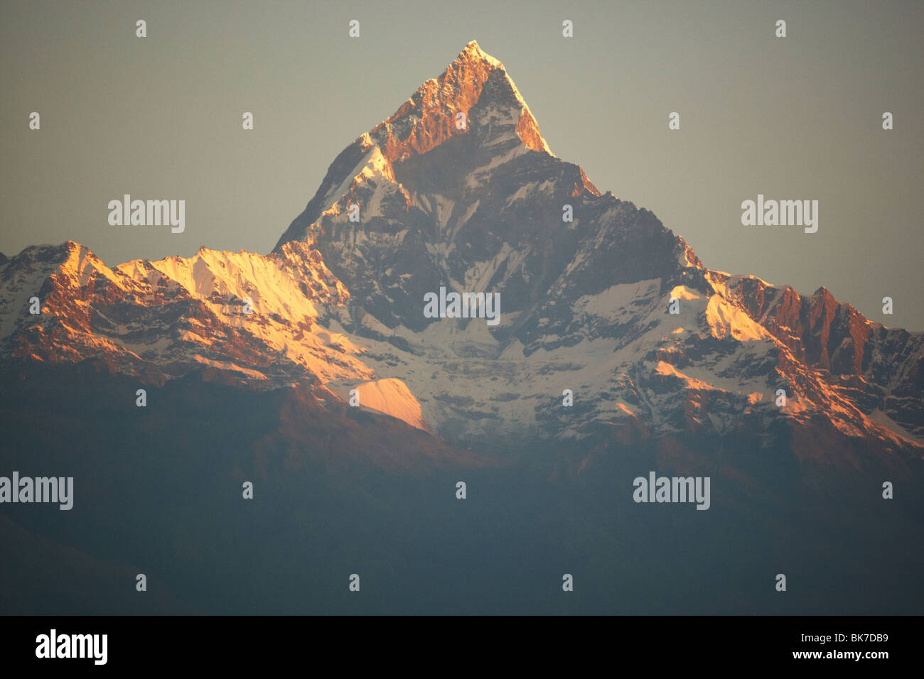 Fishtail mountain at sunrise near Pokhara, Nepal on Tuesday October 27, 2009. - Stock Image