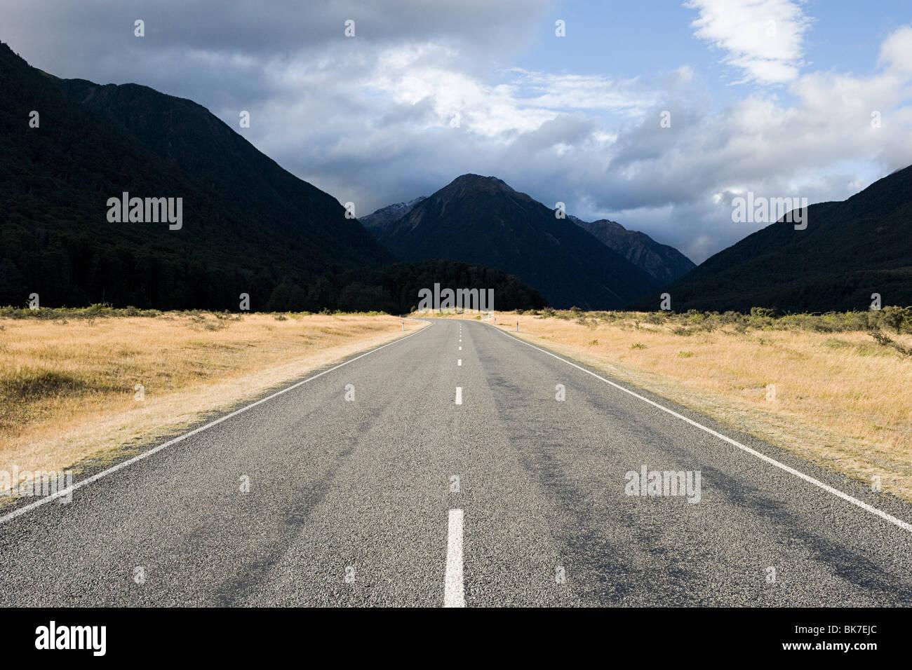 Canterbury Plains, road towards Arthur's Pass - Stock Image