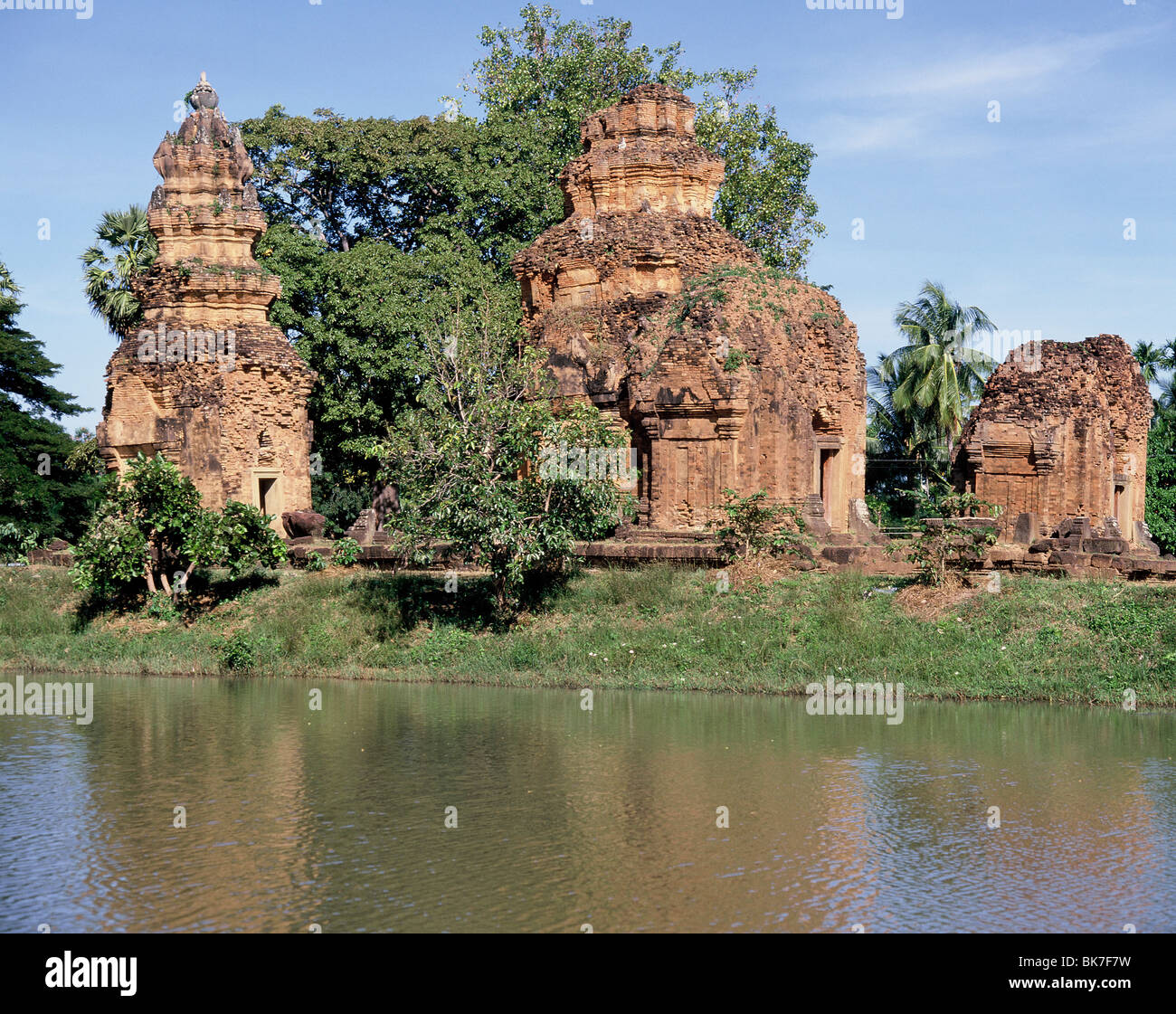 The overgrown Khmer temple of Prasat Si Koraphum, Thailand, Southeast Asia, Asia - Stock Image