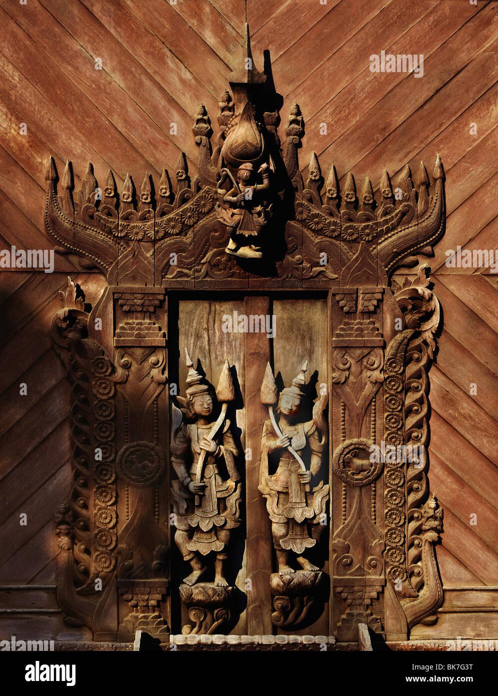 Carved door, Shwe In Bin Monastery, Mandalay, Myanmar (Burma), Asia - Stock Image