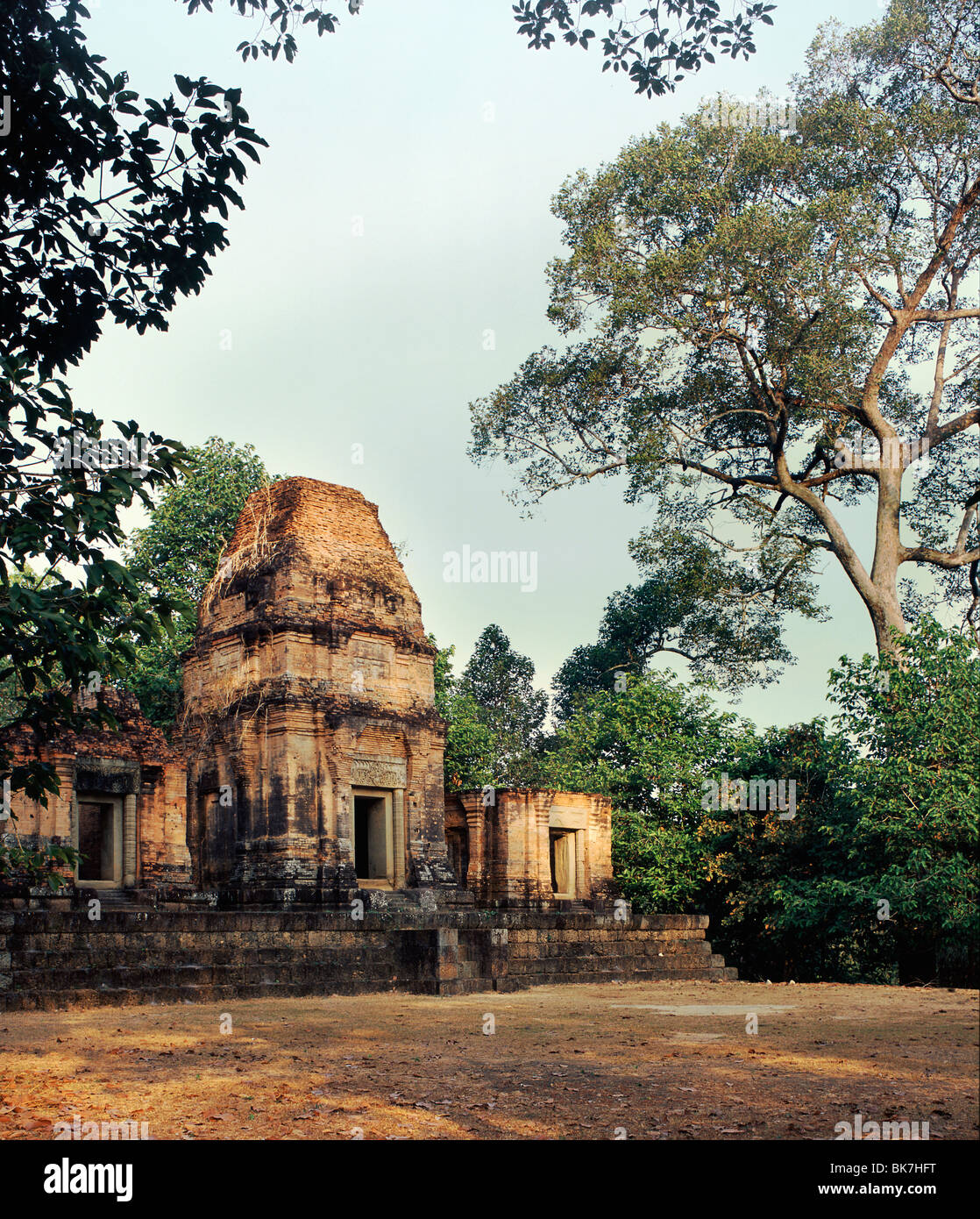 Prasat Bei dating from the 10th century, Angkor, UNESCO World Heritage Site, Cambodia, Indochina, Southeast Asia, - Stock Image