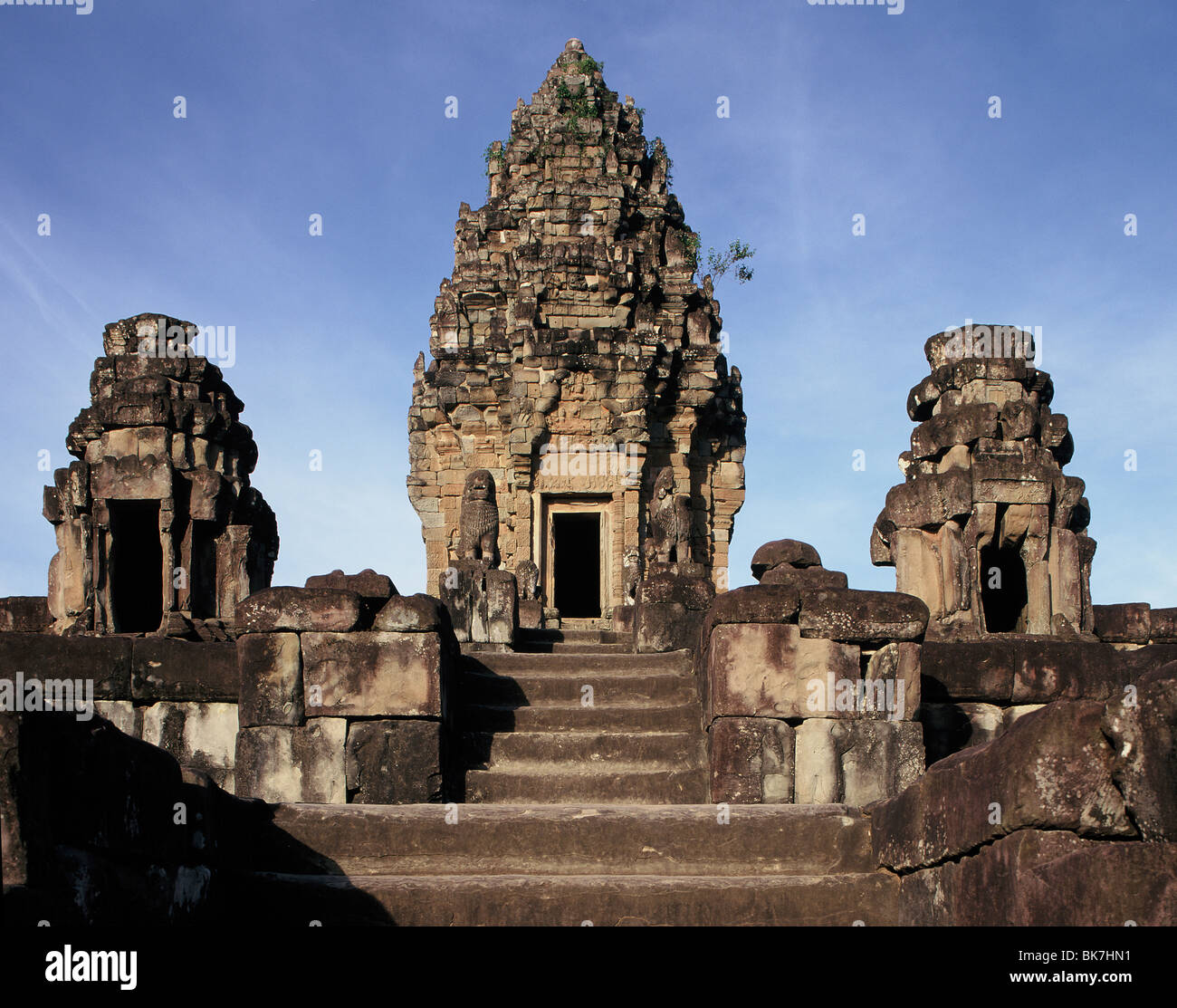 Bakong, dating from the late 9th century, Roluos, near Siem Reap, Cambodia, Indochina, Southeast Asia, Asia - Stock Image