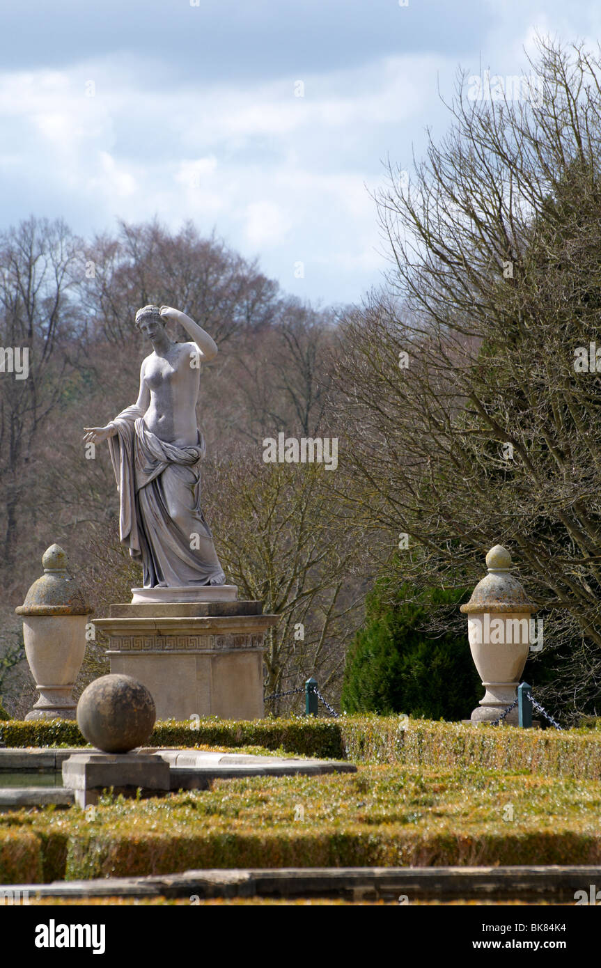 Classical statuary in the formal gardens at Blenheim Palace - Stock Image