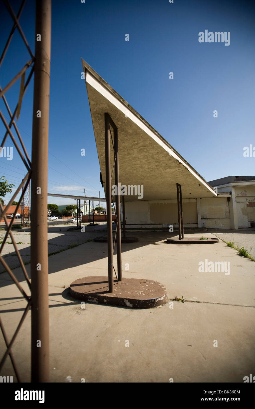 Abandoned Gas Station South Los Angeles California United States Stock Photo Alamy