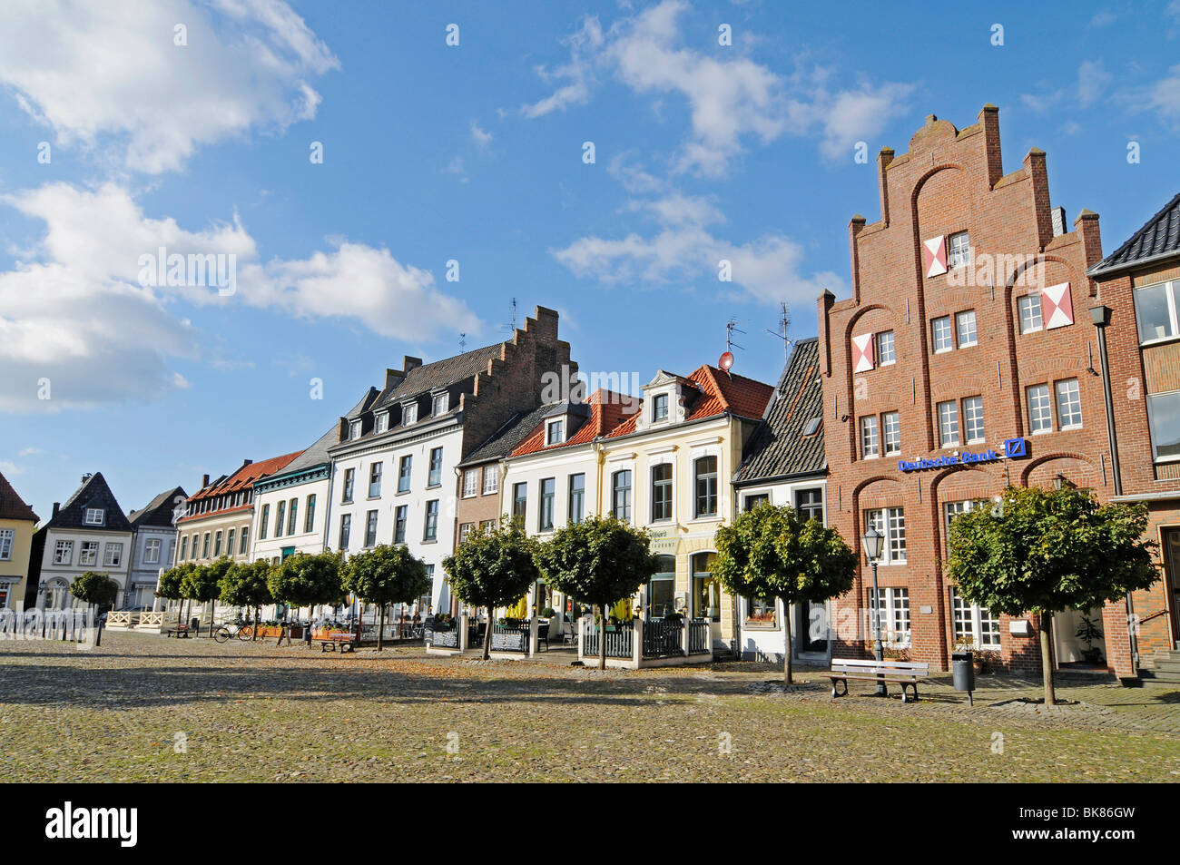 Gothic town hall, town hall square, brick building, historic building, Kalkar, Lower Rhine, North Rhine-Westphalia, - Stock Image