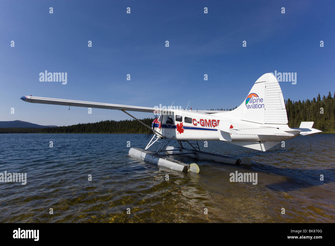 Taxiing, legendary de Havilland Canada DHC-2 Beaver, float plane, bush plane, Caribou Lakes, upper Liard River, - Stock Image