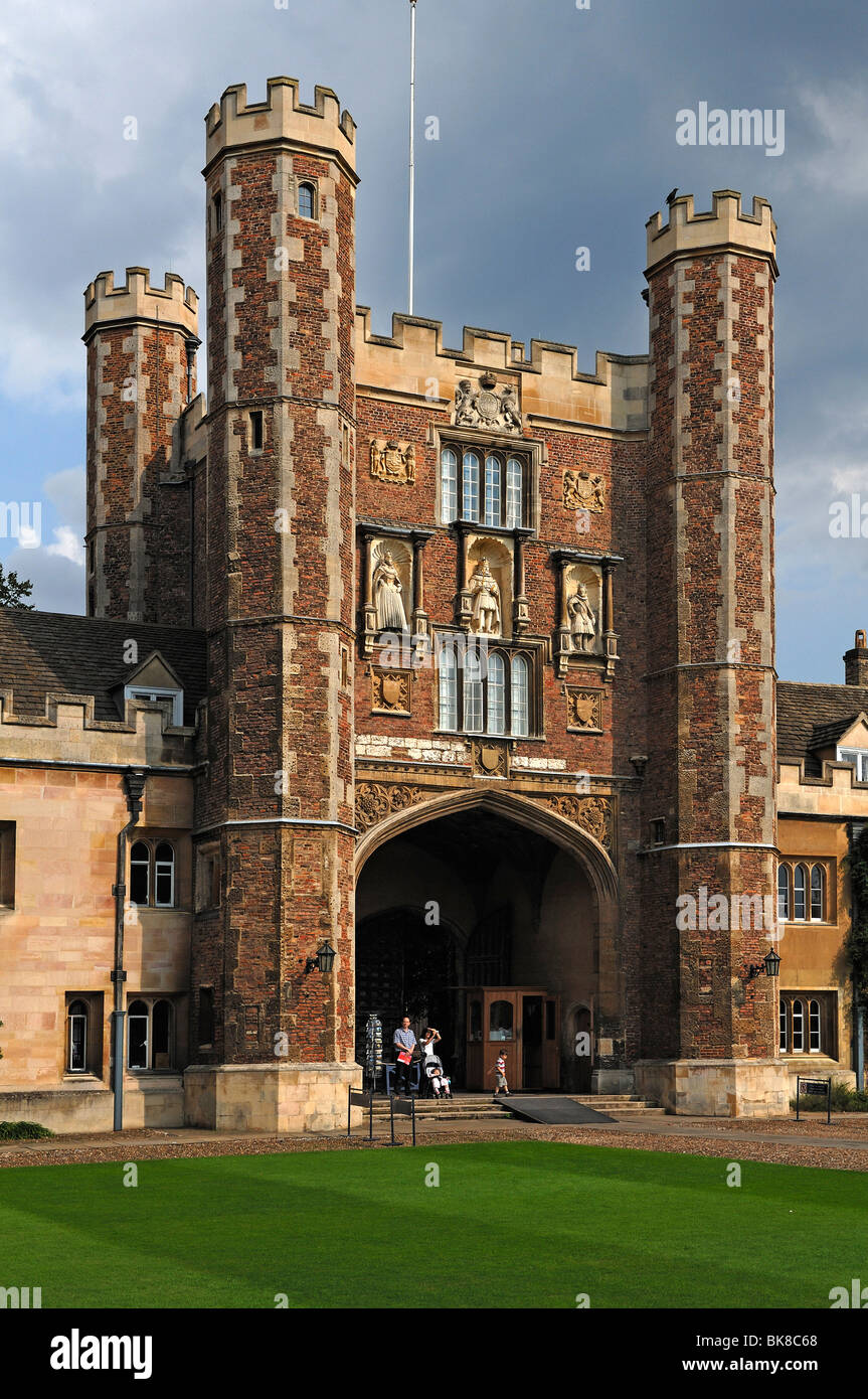 Gate to Trinity College, founded by Henry VIII in 1546, from the backyard, Trinity Street, Cambridge, Cambridgeshire, - Stock Image