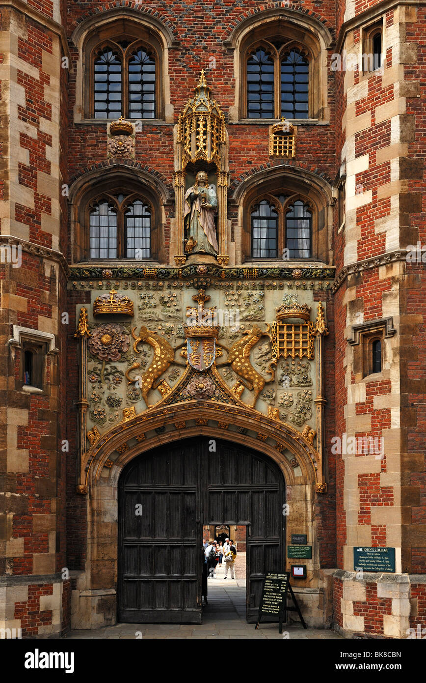 Detail of the entrance gate of St. John's College, founded in 1511 by Lady Margaret Beaufort, Bridge Street, Cambridge, Stock Photo