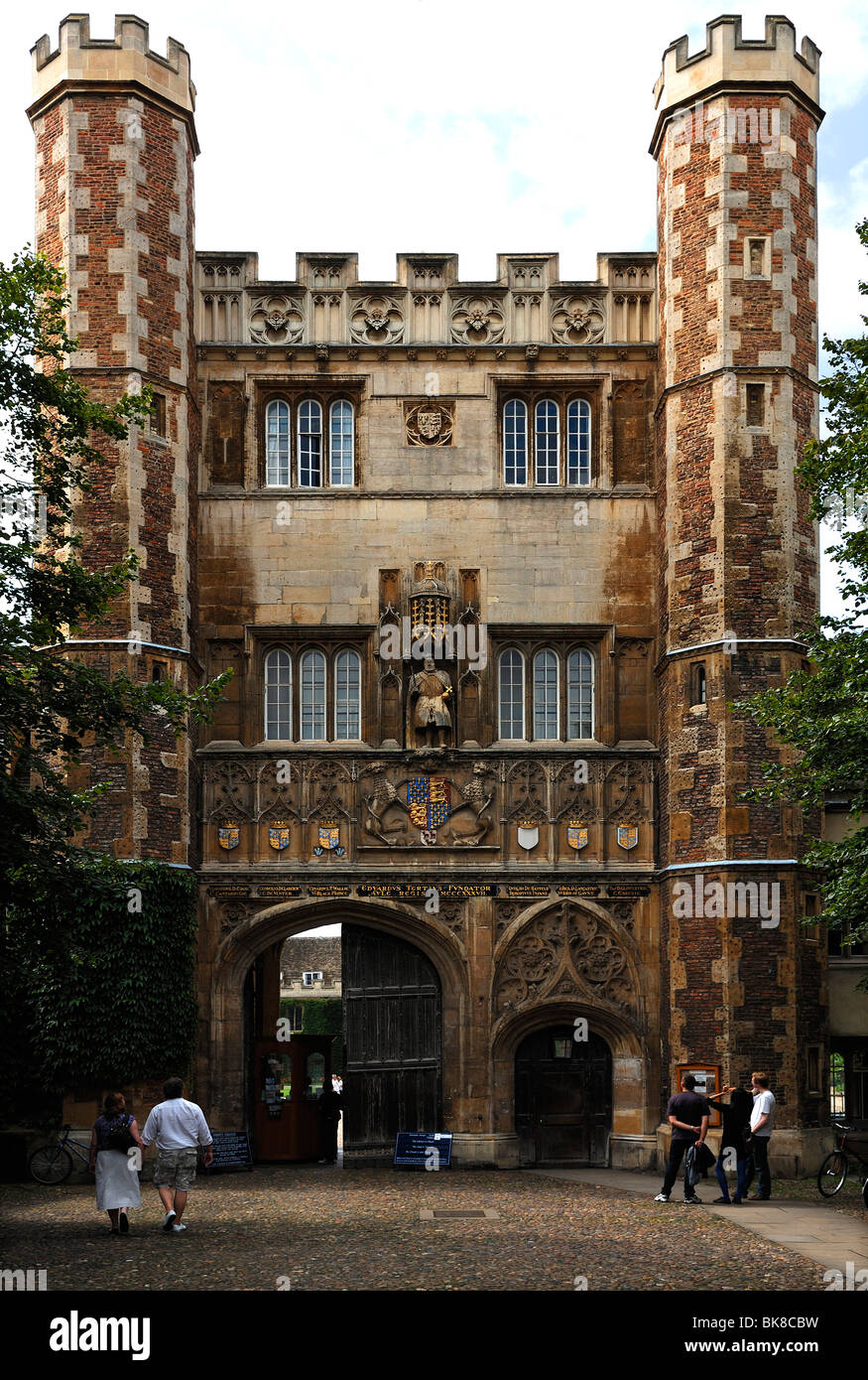 Entrance gate to Trinity College, founded in 1546 by Henry VIII, Trinity Street, Cambridge, Cambridgeshire, England, - Stock Image