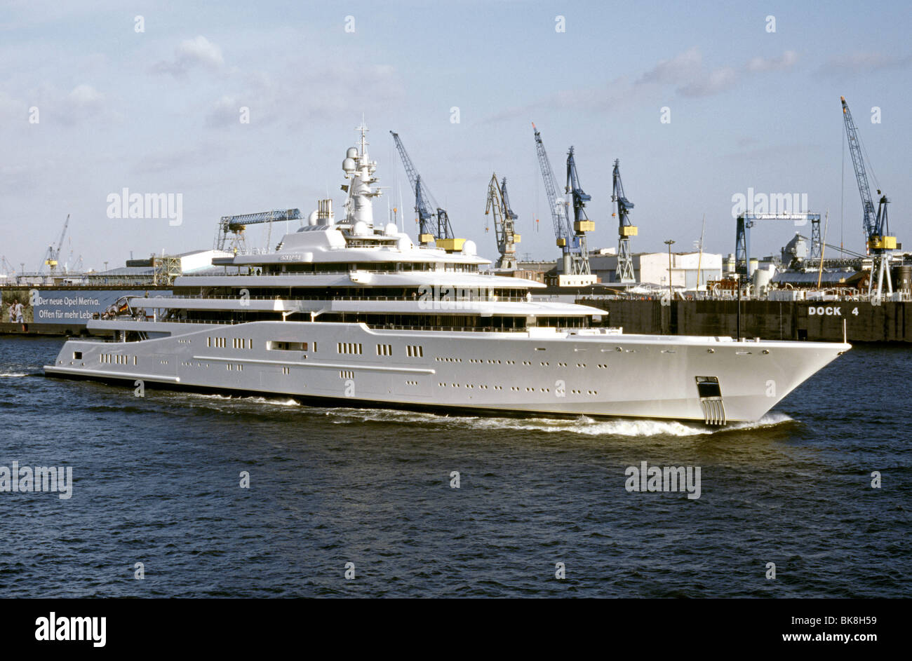 April 16, 2010 - The world's largest privately owned yacht, the Eclipse, passes Blohm + Voss ship yard in the - Stock Image
