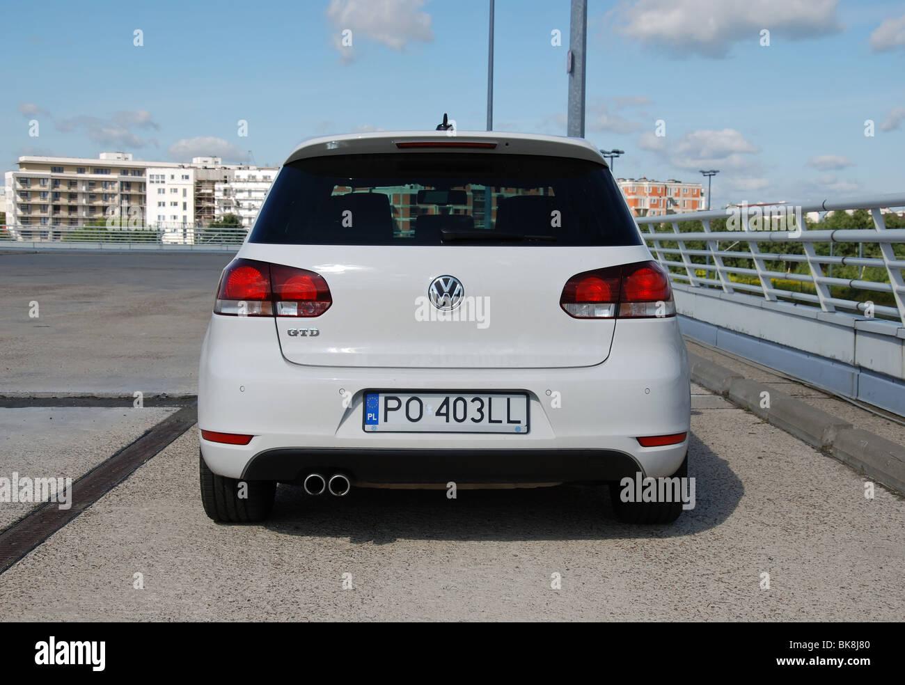 Volkswagen Golf VI GTD - 2009 - white - five doors (5D