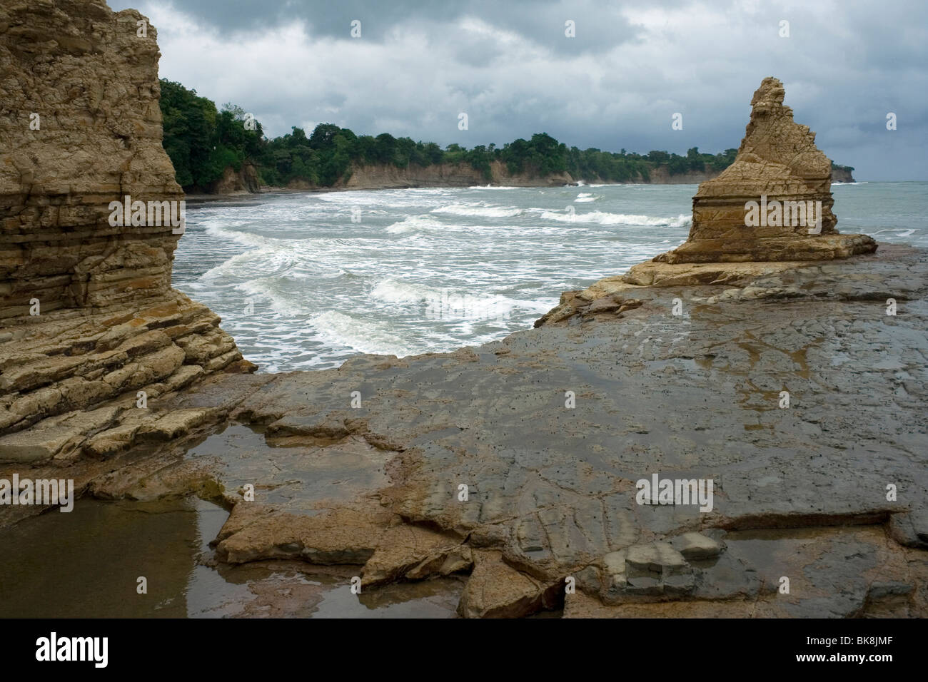 Eroded shale cliffs on the Pacific coast of Ecuador - Stock Image