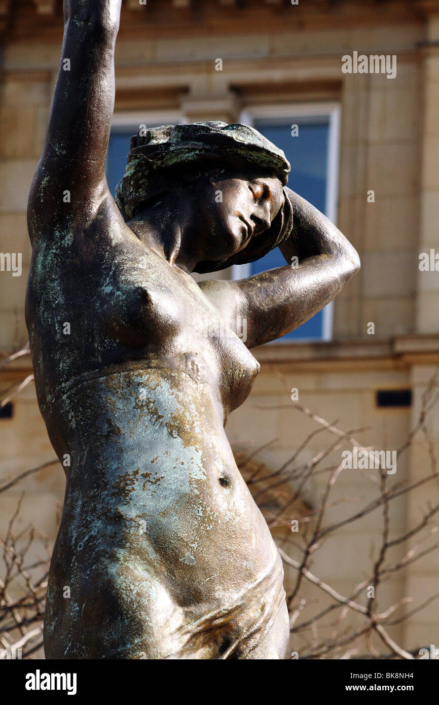 Statues  by celebrated Victorian sculptor Alfred Drury in the art nouveau style bronzes - Stock Image